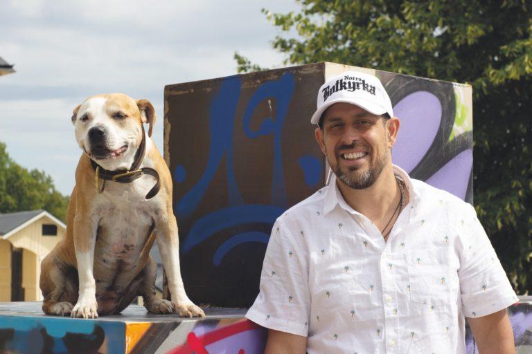 Shoo intervjuar Dogge Doggelito